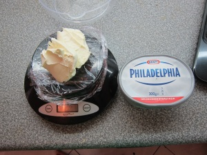 This doesn't even say cream cheese on it, the writing in the red is saying it's like bargain size or something.